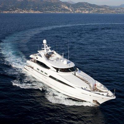 La Tania Yacht Running Shot - Front View