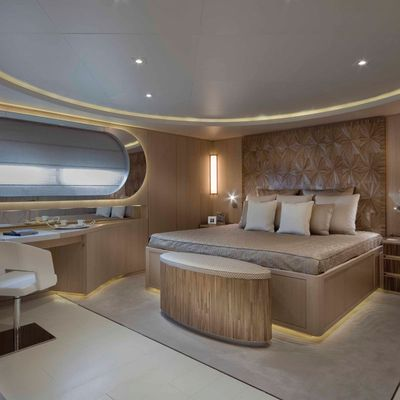 Light Holic Yacht Double Stateroom
