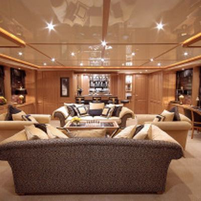 Aura Yacht Skylounge