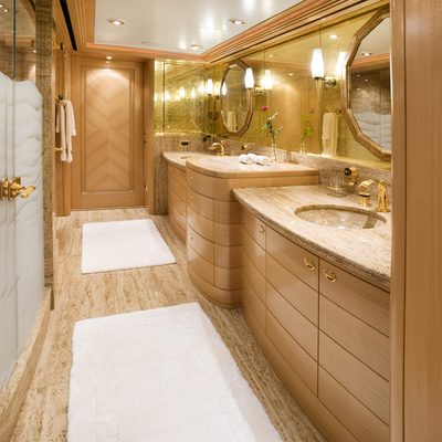 Laurel Yacht Master Bathroom