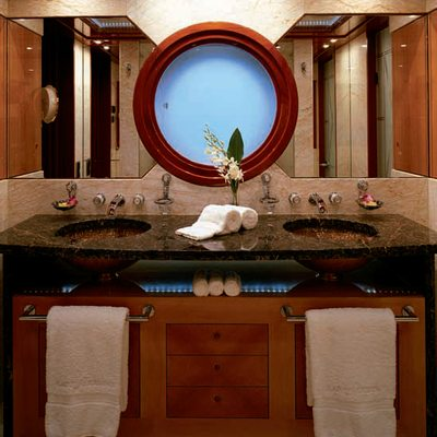 Lady Sheridan Yacht Private Bathroom