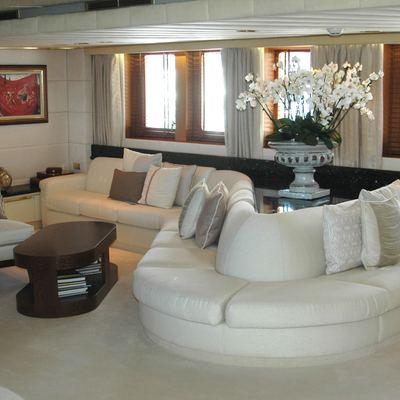 Esmeralda Yacht Salon - Starboard