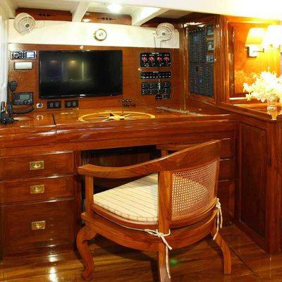 Aventure Yacht