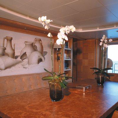 Alexandra Yacht Dining Table