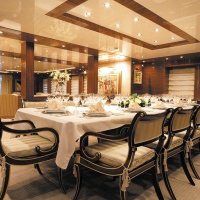 O'Ceanos Yacht Dining Area