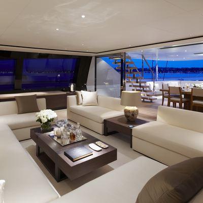 Twizzle Yacht Main Salon - Aft
