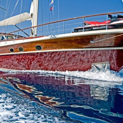 Daima Yacht Running Shot