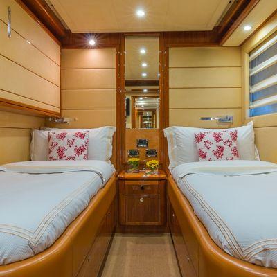 Cinque Mare Yacht