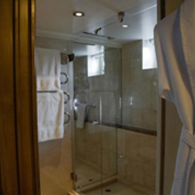 Istros Yacht Shower Room