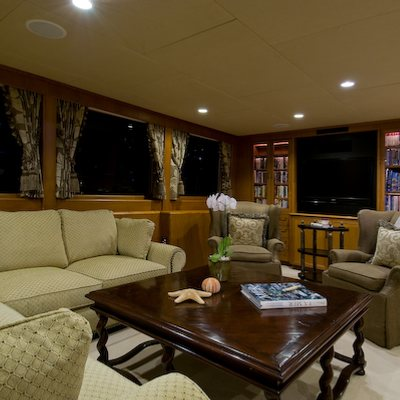 Sea Falcon II Yacht Main Salon Seating
