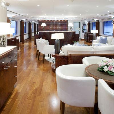La Tania Yacht Bar Area