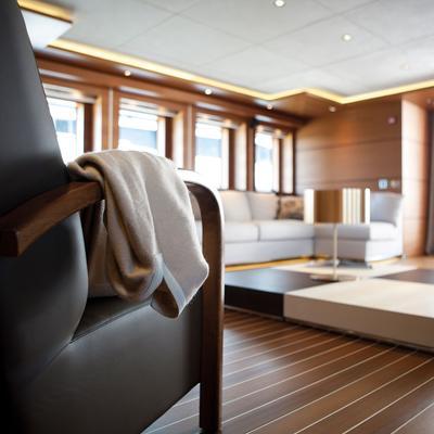 Zaliv III Yacht Saloon - Detail