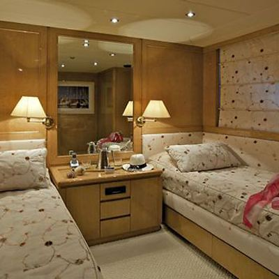 Lady Ellen Yacht Twin Stateroom