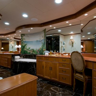 Sea Falcon II Yacht Master Office