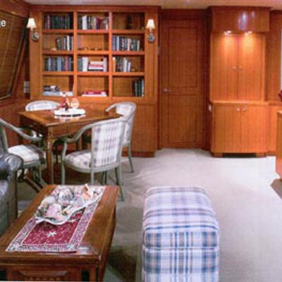 Murphy's Law Yacht Skylounge
