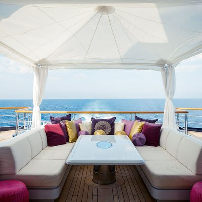 Solandge Yacht Alfresco Dining Option