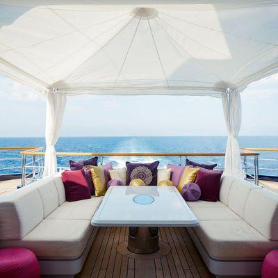Solandge Yacht Alfresco Dining Option