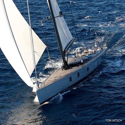Sharlou Yacht Running Shot - Bow