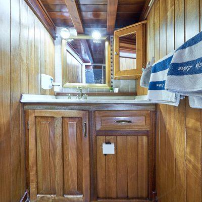 Libra Yacht