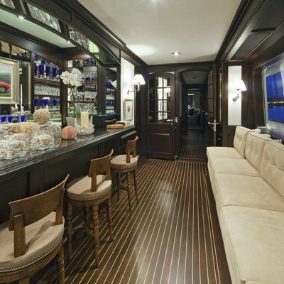 Virginian Yacht Bar
