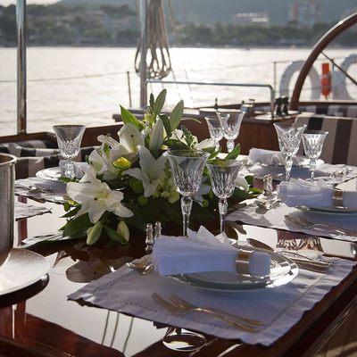 Gweilo Yacht Al Fresco Dining