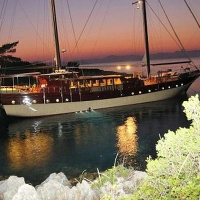 Brothers Yacht