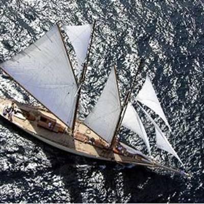 Sunshine Yacht Overhead