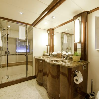 Destination Yacht Guest Bathroom