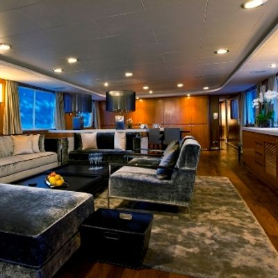 Callista Yacht Salon
