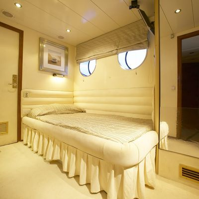 AMZ Yacht Guest Stateroom