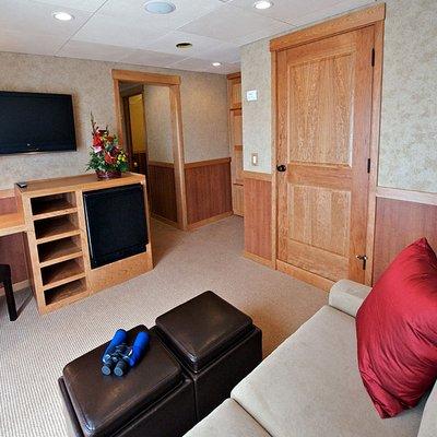 Safari Explorer Yacht Stateroom - Seating