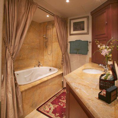 Stargazer Yacht VIP Bathroom