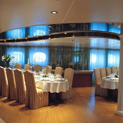 Elegant 007 Yacht Dining Salon - Tables