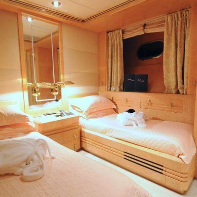 Bella Stella Yacht Twin Stateroom