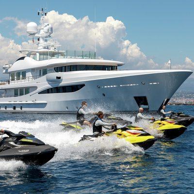 La Mirage Yacht