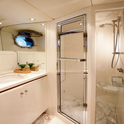 SeaQuell Yacht