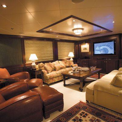 Big Aron Yacht Main Salon