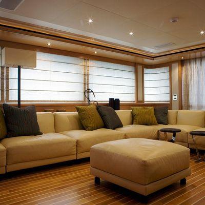 Hana Yacht Saloon - Seating