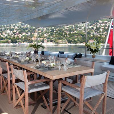 Mariu Yacht Alfresco dining