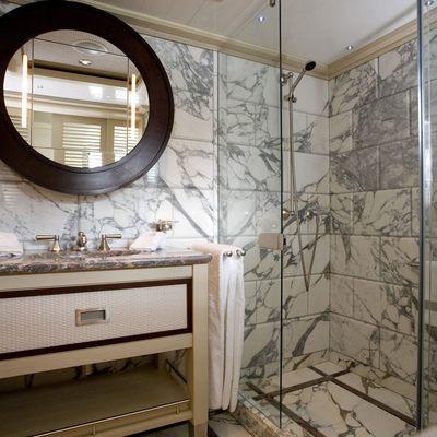 Odessa Yacht Shower Room