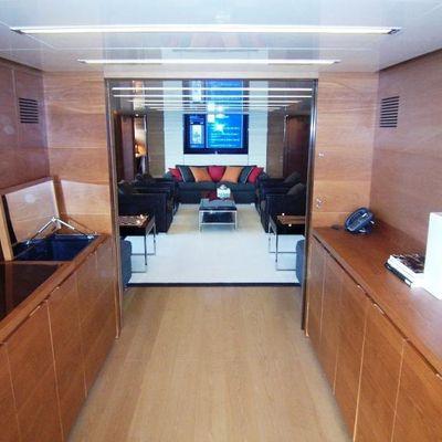 4A Yacht Hallway into Salon