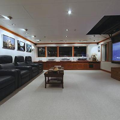 Silver Cloud Yacht Skylounge