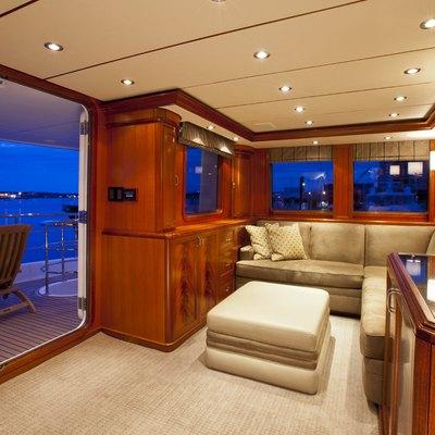 Vega Yacht