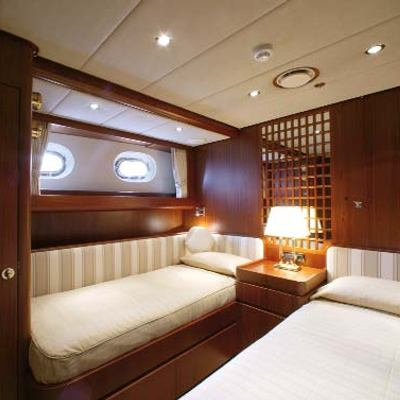 Infatuation Yacht Twin Stateroom