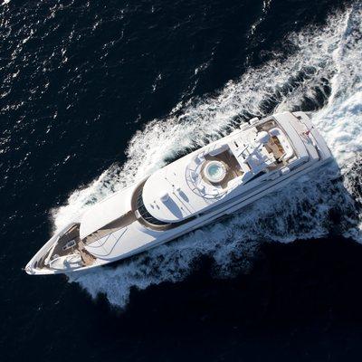 La Tania Yacht Running Shot - Overhead