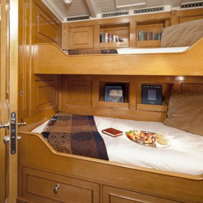 Shamrock V Yacht Twin cabin