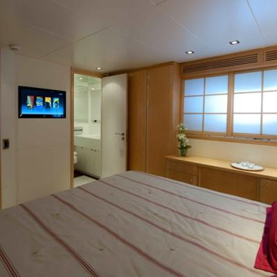 Palm B Yacht Guest Stateroom - Screen