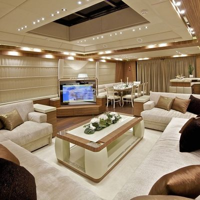 O'Pati Yacht Salon