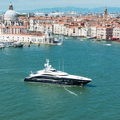 Lady Li Yacht