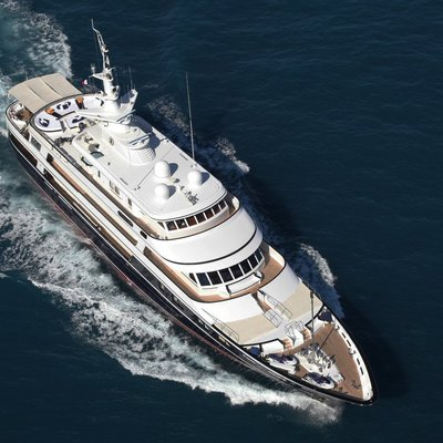 Virginian Yacht Running Shot - Aerial View